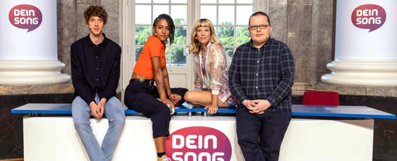 """Die neue """"Dein Song""""-Jury: Ole Specht, Lary, Mieze Katz und Angelo Kelly – Bild: ZDF/Andrea Enderlein"""