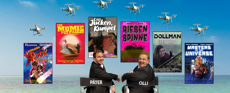 """Die """"SchleFaZ""""-Filmvorführer und ihre Sommerstaffel: Oliver Kalkofe und Peter Rütten – Bild: obs/TELE 5/Sven Knoch für TELE 5"""