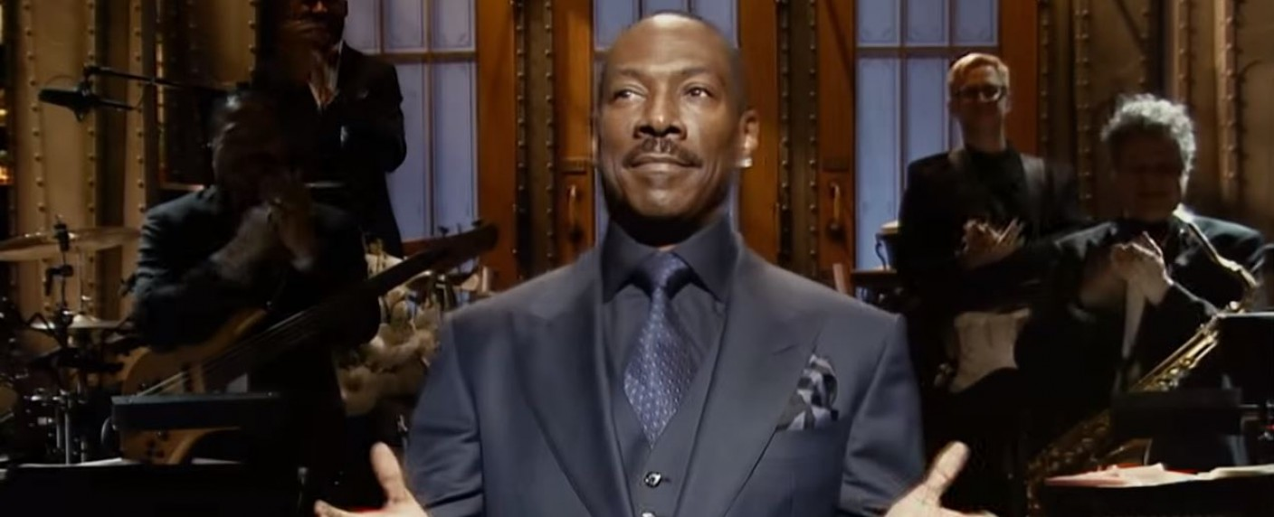 "Eddie Murphy als Moderator von ""Saturday Night Live"" – Bild: NBC/Screenshot"