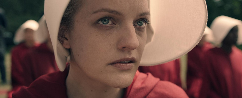 "Elisabeth Moss als Offred in ""The Handmaid's Tale"" – Bild: Hulu"