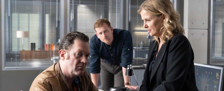 Ermitteln in sechs neuen Folgen: Vera Lanz (Katharina Böhm, r.), Paul Böhmer (Jürgen Tonkel, l.) und Maximilian Murnau (Christoph Schechinger, m.) – Bild: ZDF/Michael Marhoffer
