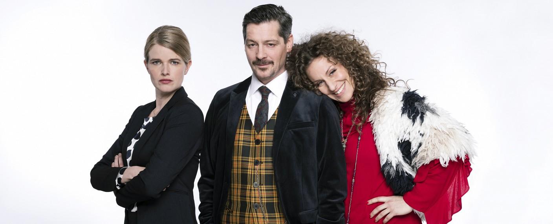 """""""Falk"""" mit Mira Bartuschek (l.), Fritz Karl (M.) und Alessija Lause (r.) – Bild: ARD/Jens van Zoest"""