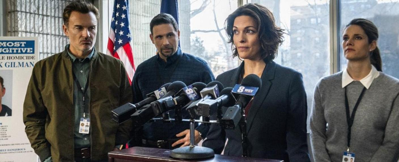 """""""FBI: Most Wanted"""": Jess LaCroix (Julian McMahon, l.) mit dem """"FBI""""-Team – Bild: CBS"""