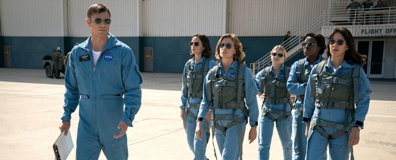 """""""For All Mankind"""": Ed und die Astronautinnen in der ersten Staffel – Bild: Apple TV+"""