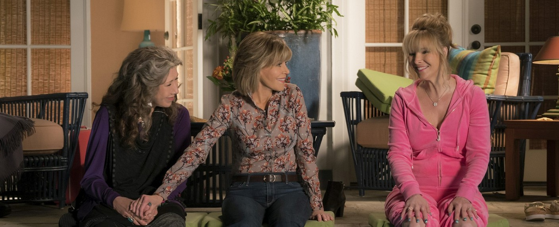 "Frankie (Lily Tomlin), Grace (Jane Fonda) und Sheree (Lisa Kudrow) in ""Grace und Frankie"" – Bild: Melissa Moseley/Netflix"