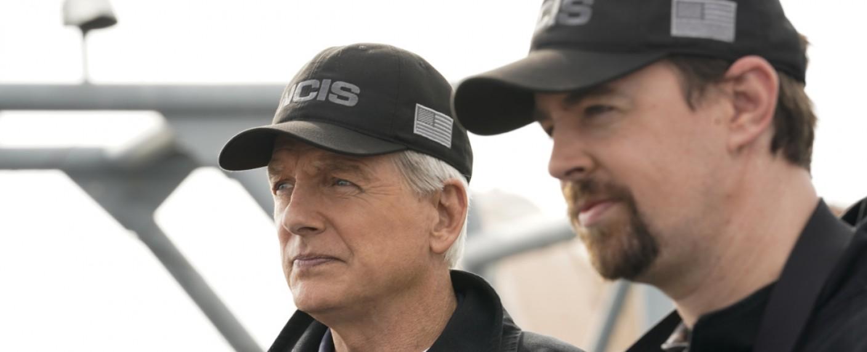 "Gibbs (Mark Harmon) und McGee (Sean Murray) ermitteln in ""Navy CIS"" weiter – Bild: CBS"