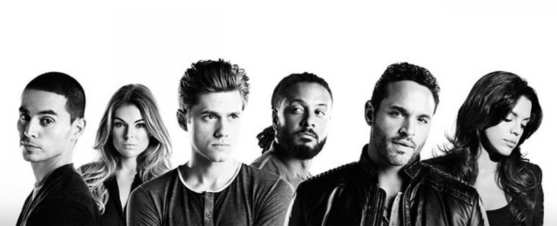 """Der Cast von """"Graceland"""": Manny Montana, Serinda Swan, Aaron Tveit, Brandon Jay McLaren, Daniel Sunjata und Vanessa Ferlito – Bild: USA Network"""