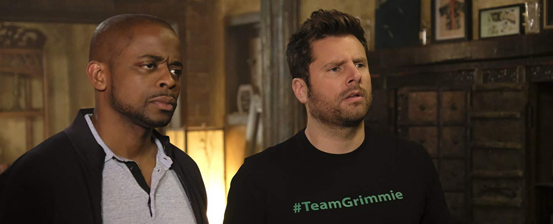 """Gus (Dulé Hill) und Shawn (James Roday) in """"Psych: The Movie"""" – Bild: USA Network"""