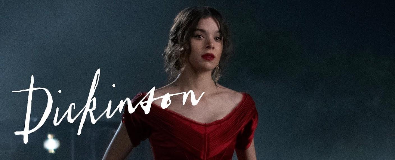 """Hailee Steinfeld als Emily in """"Dickinson"""" – Bild: AppletTV+"""