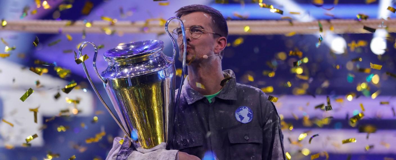 Joko Winterscheidt feierte am Samstag seinen Weltmeister-Titel – Bild: ProSieben/Bene Müller
