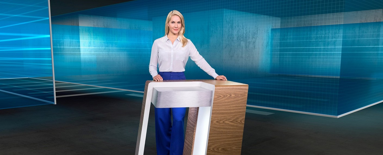 "Judith Rakers moderiert die Sendung ""Kriminalreport"" im Ersten. – Bild: rbb/HR/SWR / Ben Knabe"