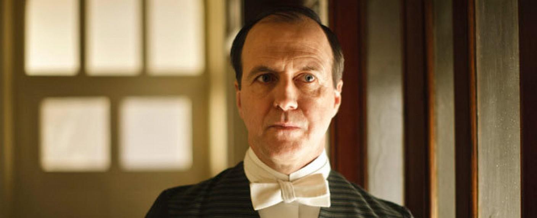 "Kevin Doyle als Joseph Molesley in ""Downton Abbey"" – Bild: Carnival Film & Television"