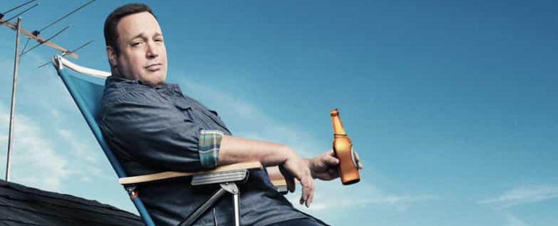 "Kevin James in der CBS-Sitcom ""Kevin Can Wait"" – Bild: CBS"