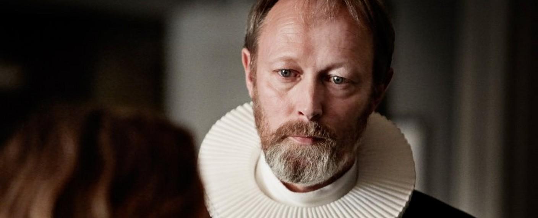 """Lars Mikkelsen als Johannes in """"Die Wege des Herren"""" – Bild: Studio Canal"""