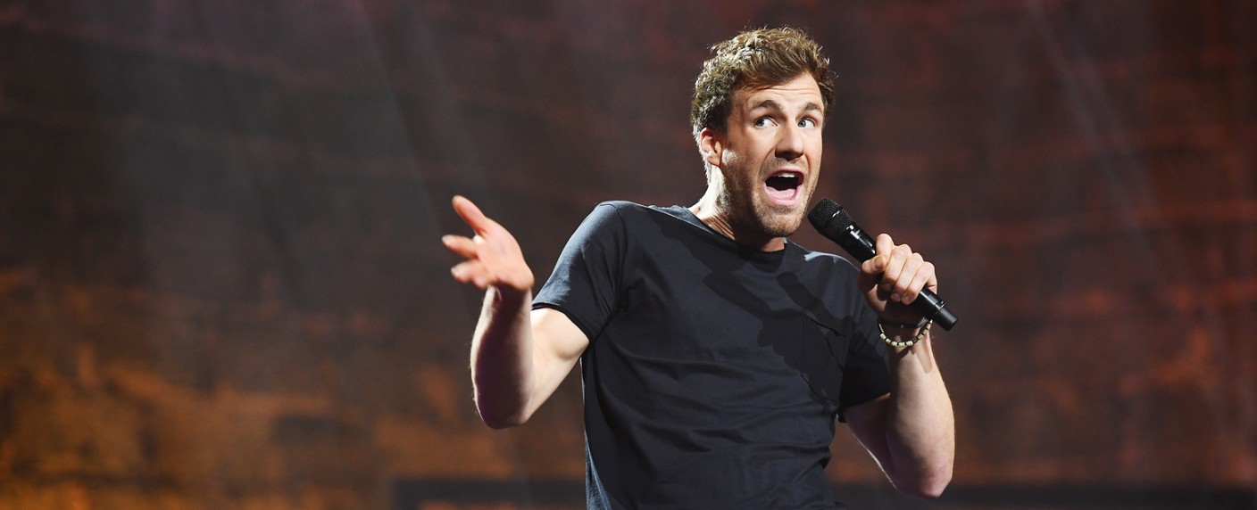 "Luke Mockridge in seinem Live-Programm ""Lucky Man"" – Bild: SAT.1/Willi Weber"