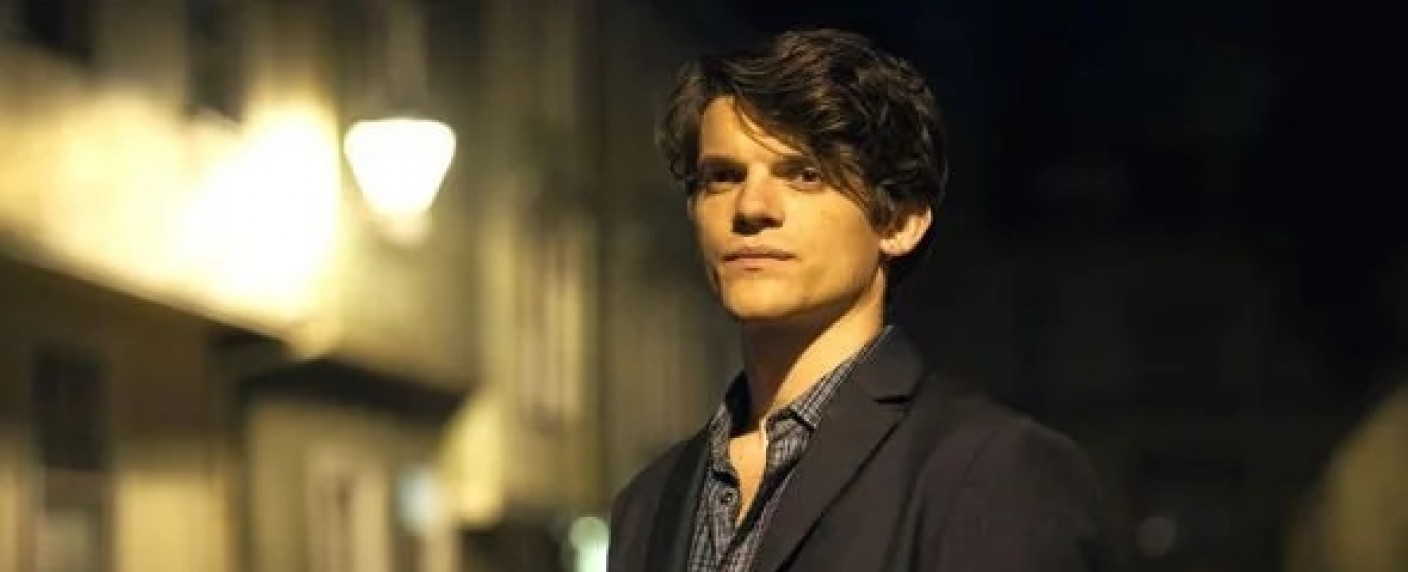 """Marcus (Edward Bluemel), """"A Discovery of Witches"""" (2x08) – Bild: Sky One"""