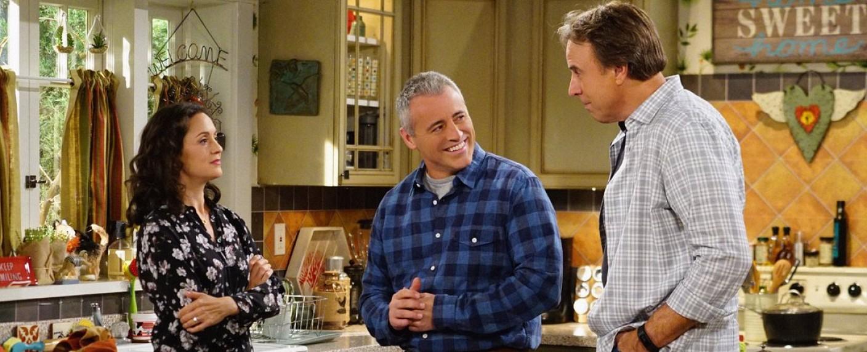 """Marcy (Kali Rocha) mit Schwager Adam (Matt LeBlanc) und ihrem ehemann Don (Kevin Nealon) in """"Man with a Plan"""" – Bild: CBS"""
