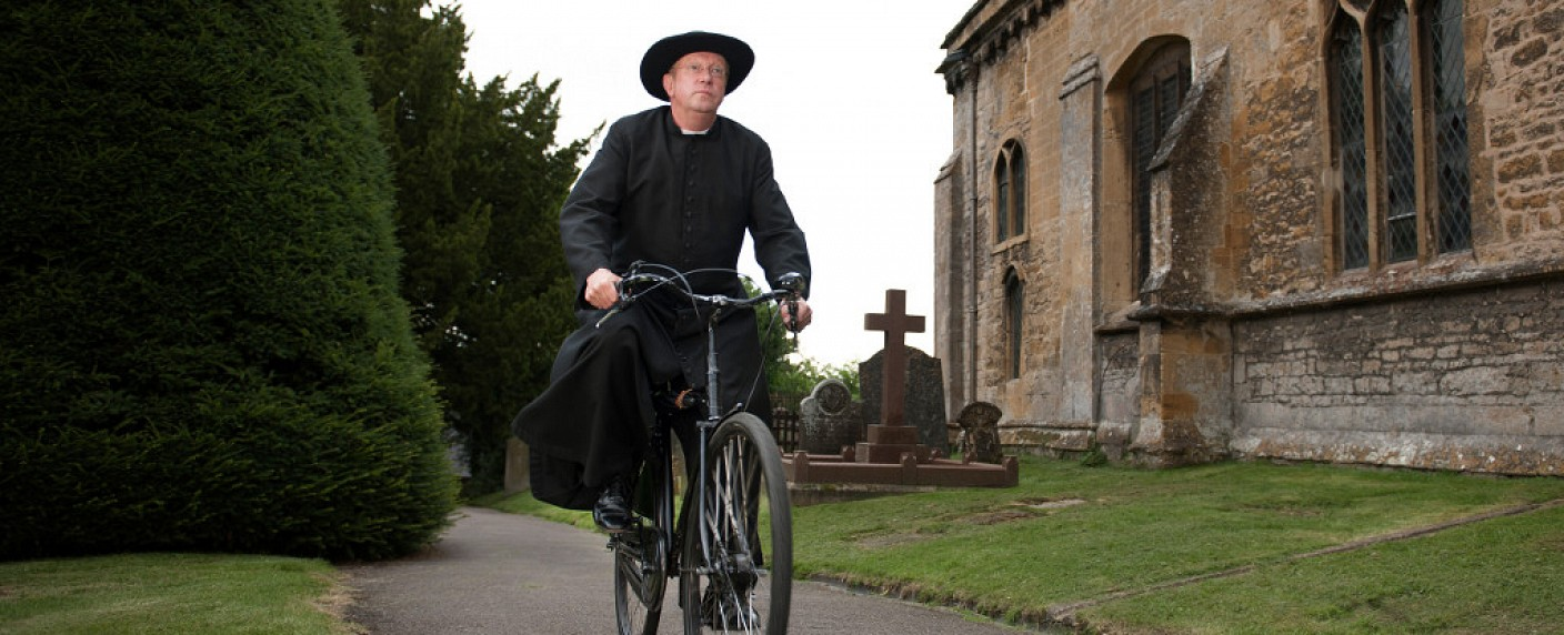 "Mark Williams ist ""Father Brown"" – Bild: ZDF/Des Willie"