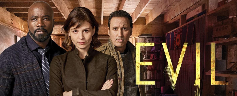 "Mike Coulter, Katja Herbers und Aasif Mandvi in ""Evil"" – Bild: CBS"