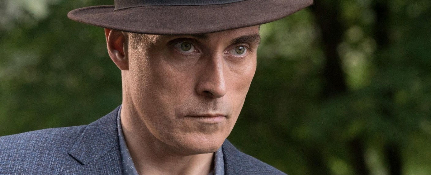 "Neue Hauptrolle für Rufus Sewell (hier in ""The Man in the Hight Castle"") – Bild: Prime Video"