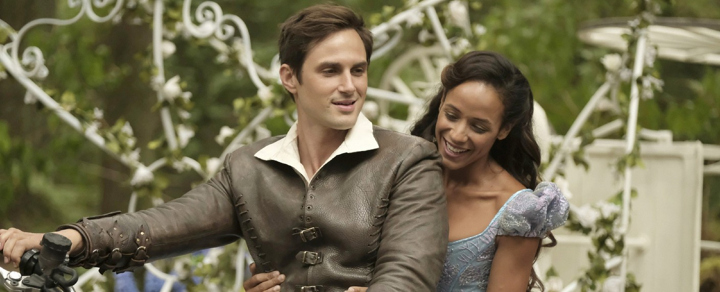 """Once Upon a Time"": Henry Mills (Andrew J. West) und Cinderella (Dania Ramirez) – Bild: MG RTL D / © 2017 American Broadcasting Companies, Inc. All rights reserved."