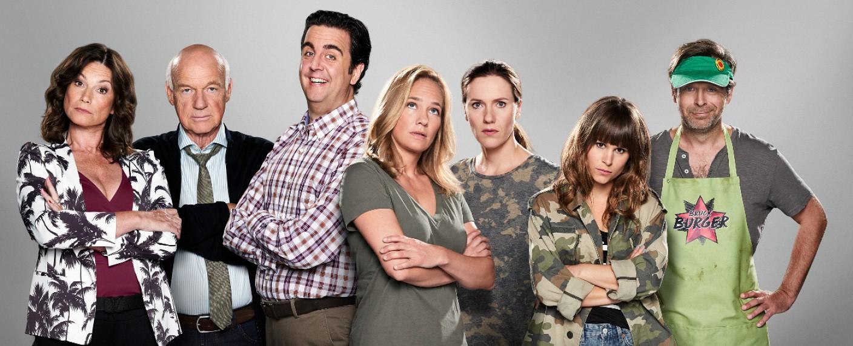 """""""Pastewka"""": Der Cast der achten Staffel – Bild: Amazon/Minestrone TV"""