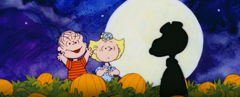 """Ist es der """"Große Kürbis""""? Ach nein, es ist doch nur Snoopy von den Peanuts – Bild: Bill Melendez Productions / CBS"""