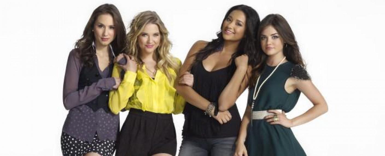 """Pretty Little Liars"" mit 'TCA'-Gewinnerin Lucy Hale (r.) – Bild: ABC Family"