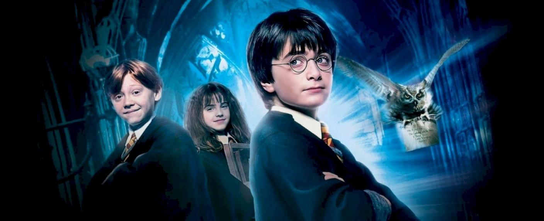 """Promobild zum Film """"Harry Potter und der Stein der Weisen"""" – Bild: Warner Bros."""