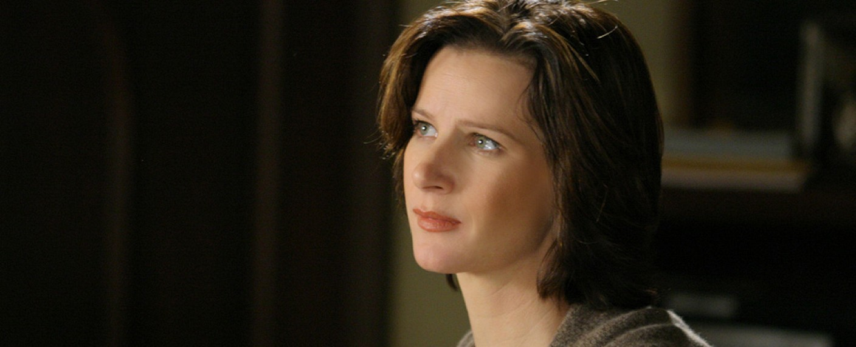 "Rachel Griffiths als Brenda in ""Six Feet Under"" – Bild: Channel 4"
