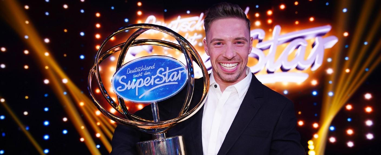"""Ramon Roselly ist der """"DSDS""""-Gewinner 2020 – Bild: TVNOW / Stefan Gregorowius"""
