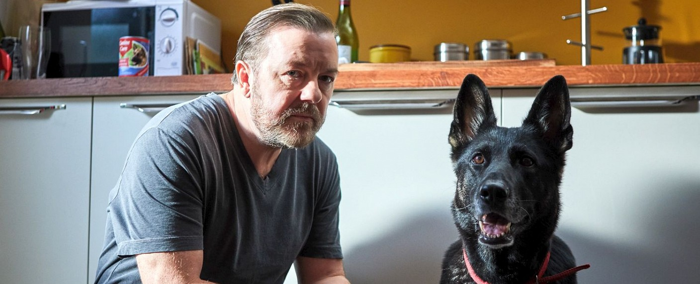 """Ricky Gervais als Witwer in """"After Life"""" – Bild: Neeflix/Natalie Seery"""
