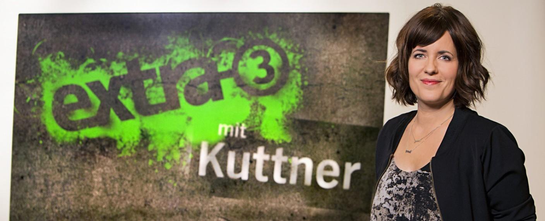 "Sarah Kuttner bei ""extra 3"" – Bild: NDR/Thomas Pritschet"