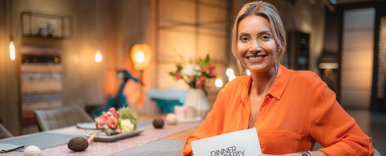 """Sarah Valentina Winkhaus präsentiert die """"Dinner Party"""" – Bild: Good Times"""