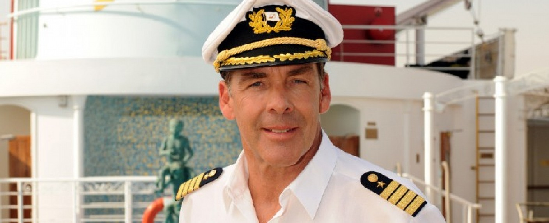 Sascha Hehn alias Kapitän Victor Burger – Bild: ZDF