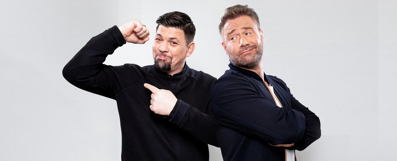 """""""Schlag den Star"""": Tim Mälzer (l.) gegen Sasha (r.) – Bild: ProSieben/Steffen Z Wolff"""