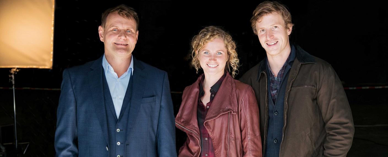 """""""Schwartz & Schwartz"""" feiern frühzeitig Premiere in der ZDF-Mediathek – Bild: ZDF/Julia Terjung"""