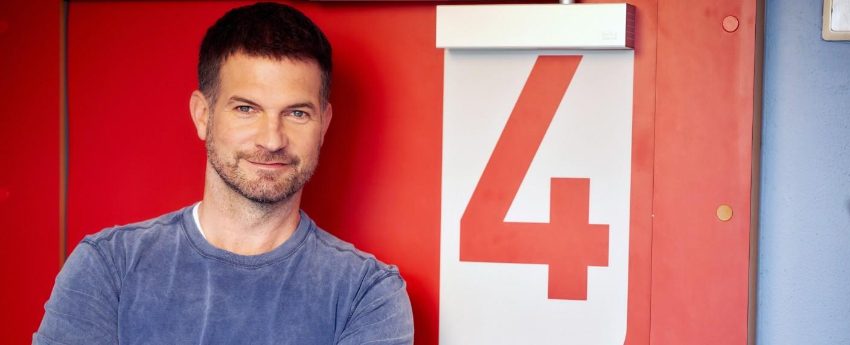 """Simon Böer ist neuer Hauptdarsteller bei """"Der Lehrer"""" – Bild: TVNOW / Frank Dicks"""