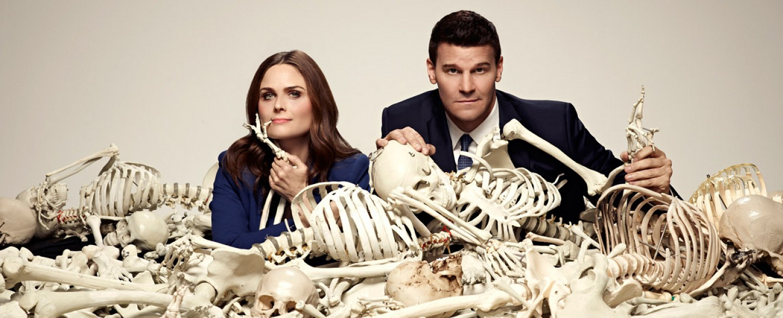 """Sind das die Leichen aus dem FOX-Keller? – Emily Deschanel und David Boreanaz klagen gegen die """"Bones""""-Produzenten – Bild: FOX"""