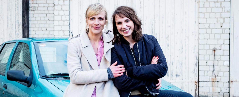 """""""SOKO Potsdam"""" mit Katrin Jaehne (l.) und Caroline Erikson (r.) – Bild: ZDF/Gordon Muehle"""