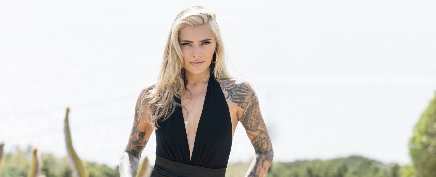 "Sophia Thomalla übernimmt die Moderation der Datingshow ""Are You The One?"" – Bild: TVNOW/Markus Hertrich"