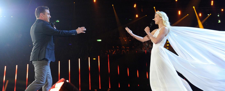 "Stefan Mross und Anna-Carina Woitschack bei den ""Schlagerchampions 2020"" – Bild: ARD/JürgensTV/Dominik Beckmann"
