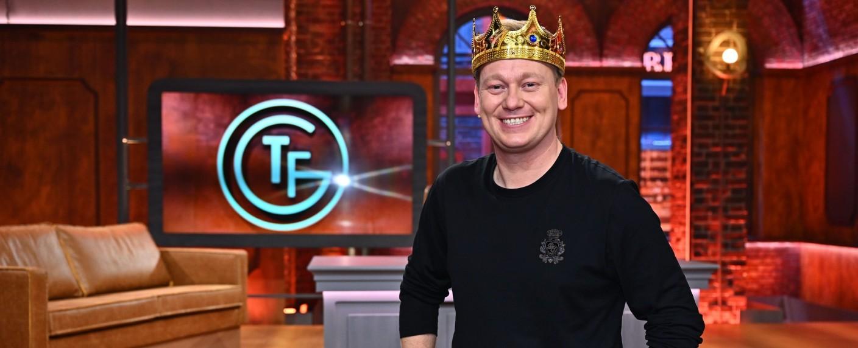 """""""Täglich frisch geröstet"""": Jens """"Knossi"""" Knossalla ist das neue Gesicht der Sendung – Bild: TVNOW / Willi Weber"""