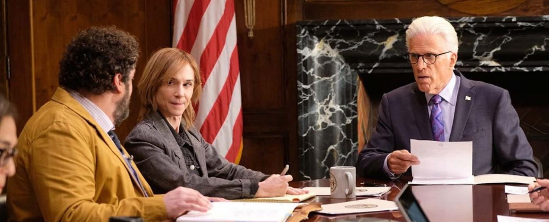 """Ted Danson (r.) als """"Mr. Mayor"""" – Bild: NBC"""