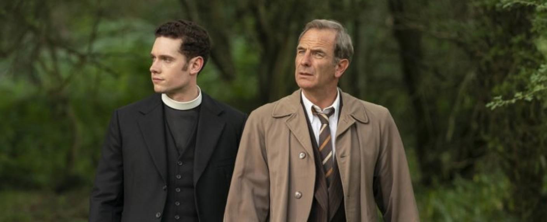 """Umsichtig: Reverend Will Davenport (Tom Brittney, l.) und Inspector Geordie Keating (Robson Green) in """"Grantchester"""" – Bild: ITV/Kudos"""