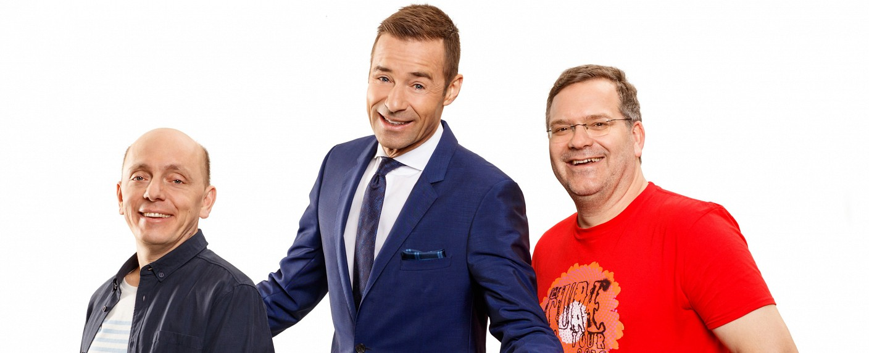 """""""Wer weiß denn sowas?"""" mit Bernhard Hoëcker, Kai Pflaume und Elton – Bild: ARD/Morris Mac Matzen"""