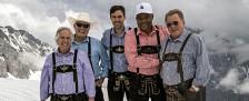 """""""Besser spät als nie"""": William Shatner und Co. bereisen bei DMAX Europa – Staffel zwei ab Mai mit Stationen in Bayern und Berlin – Bild: Rico Torres/NBC"""