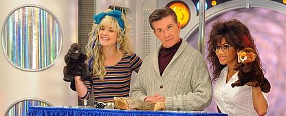 """Cobie Smulders lässt Robin Sparkles mit """"Let's All Stay at Home"""" auferstehen – """"HIMYM""""-Darstellerin dichtet """"Let's Go to the Mall"""" für Zeiten von Corona um – Bild: CBS"""