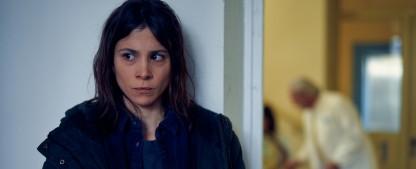 """""""Void"""": ZDFneo dreht neue Dramaserie mit """"Tatort""""-Kommissarin Aylin Tezel – Besonderer Fall von Kindesentführung – Bild: ZDF/Frank Dicks"""