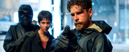 """ZDFneo zeigt Nuklear-Krimi """"La Zona – Do Not Cross"""" – Mord im Norden Spaniens nach einem Reaktorunfall – Bild: Moviestar+"""